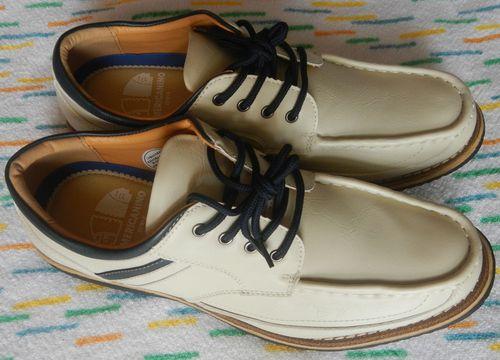 買ってから2ヶ月寝かせた靴